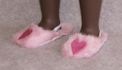 pink-heart-slippers